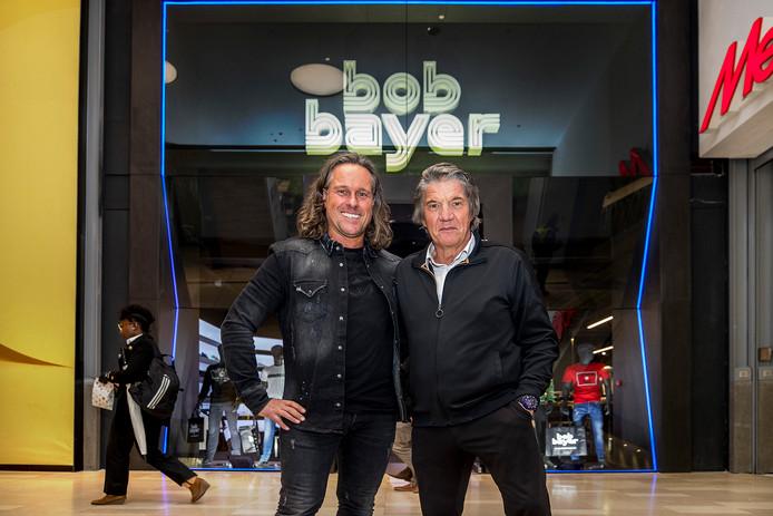 Bob Bayer(63, rechts) eigenaar van Bob Bayer Mode en manager Ramon Terstegen(43).