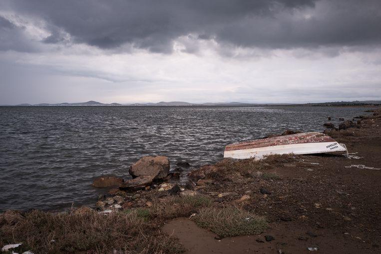 Het strand Badavut, met in de verte Lesbos. Beeld Nicola Zolin