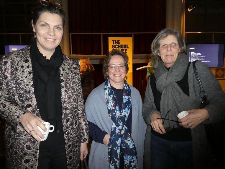 Schooldocent Henriëtte Versprille, professor Petra de Weerd en Jacqueline Wilmink (sabbatical). Beeld Hans van der Beek