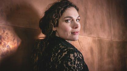 """Nederlandse Anna Drijver (35) speelt mee in 'Undercover': """"Ik heb Tom Waes moeten googelen"""""""