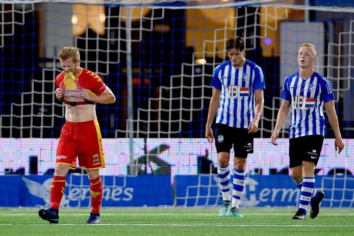 Richard van der Venne baalt in de wedstrijd tegen FC Eindhoven