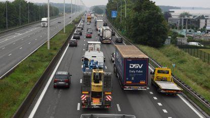 Man verongelukt voor ogen van familie bij ongeval op E40