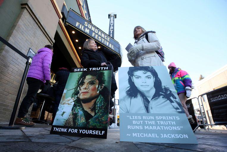 Fans protesteerden aan de bioscoop waar 'Leaving Neverland' werd getoond.