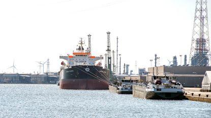 Loods die coronaschip naar haven leidde, nu ook besmet