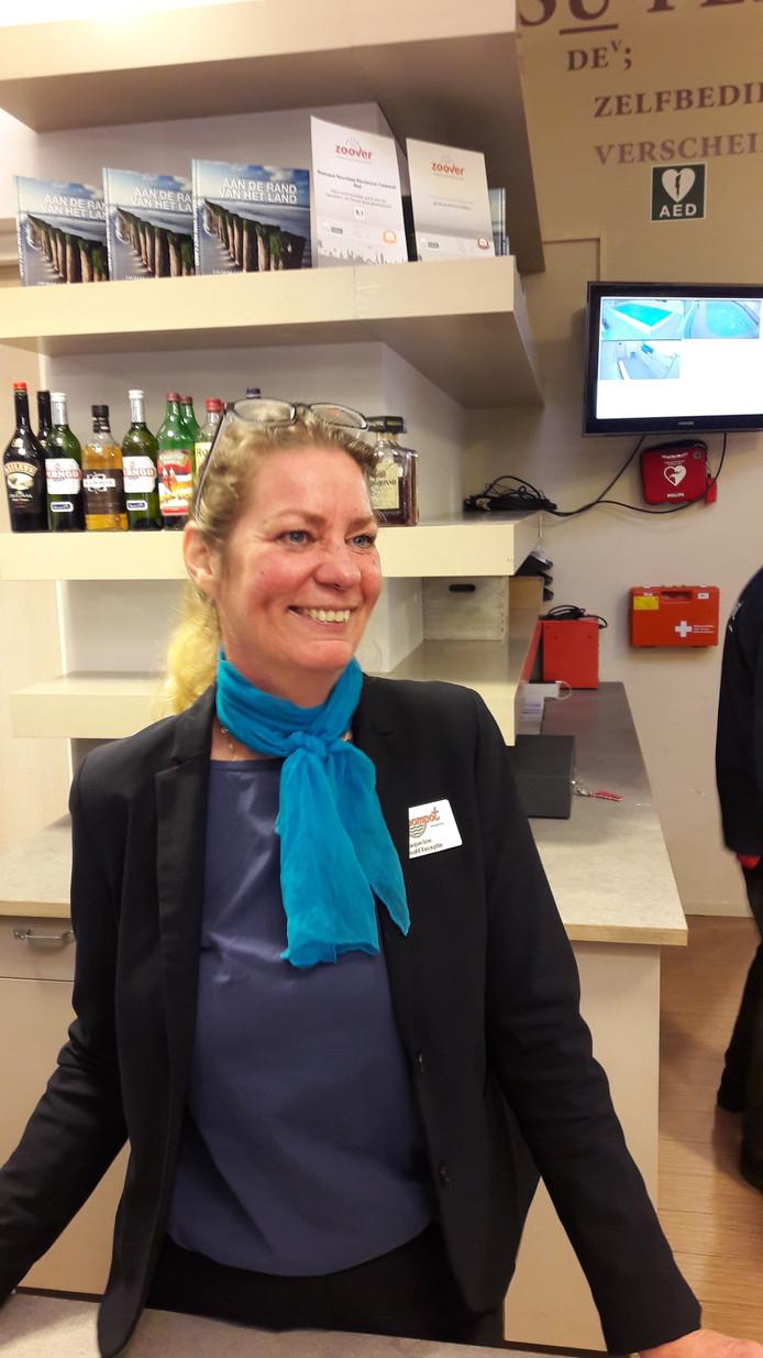 Jaqueline Velthuis, hoofd van de receptie van Residence Noordzee.