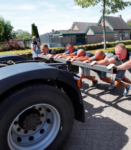 Truck duwen in Hulsel blijkt niet alleen voor truckers