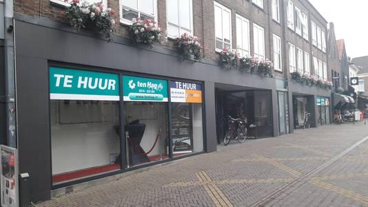 De winkel waarin voorheen Duthler zat in de Boliestraat waarin de expositie van  het Terracottaleger zal zijn.
