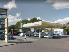 Garage vertrekt van Oude Arnhemseweg in Zeist, tankstation verdwijnt