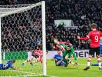 PSV kan na moeizame avond schadevrij naar kraker in De Kuip