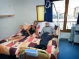 Coronapatiënt Hein (78) kon pas slapen op de IC toen zijn vrouw naast hem sliep: 'Zonder haar de weg kwijt'