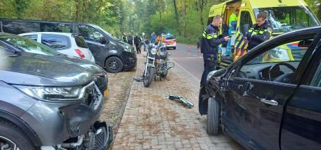 Motorrijder gewond door aanrijding met auto in Berg en Dal