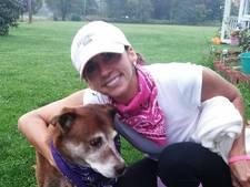 Fatale fout: jager ziet vrouw die honden uitlaat aan voor hert