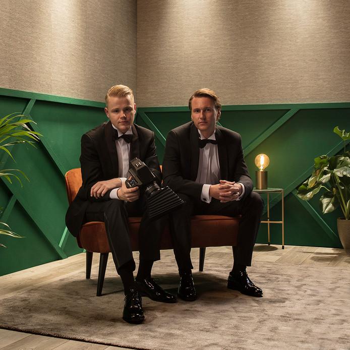 Jeroen Nieuwhuis en Erik Journée van New Day Studio uit Denekamp, tijdens de uitreiking van de Televisier Ring.