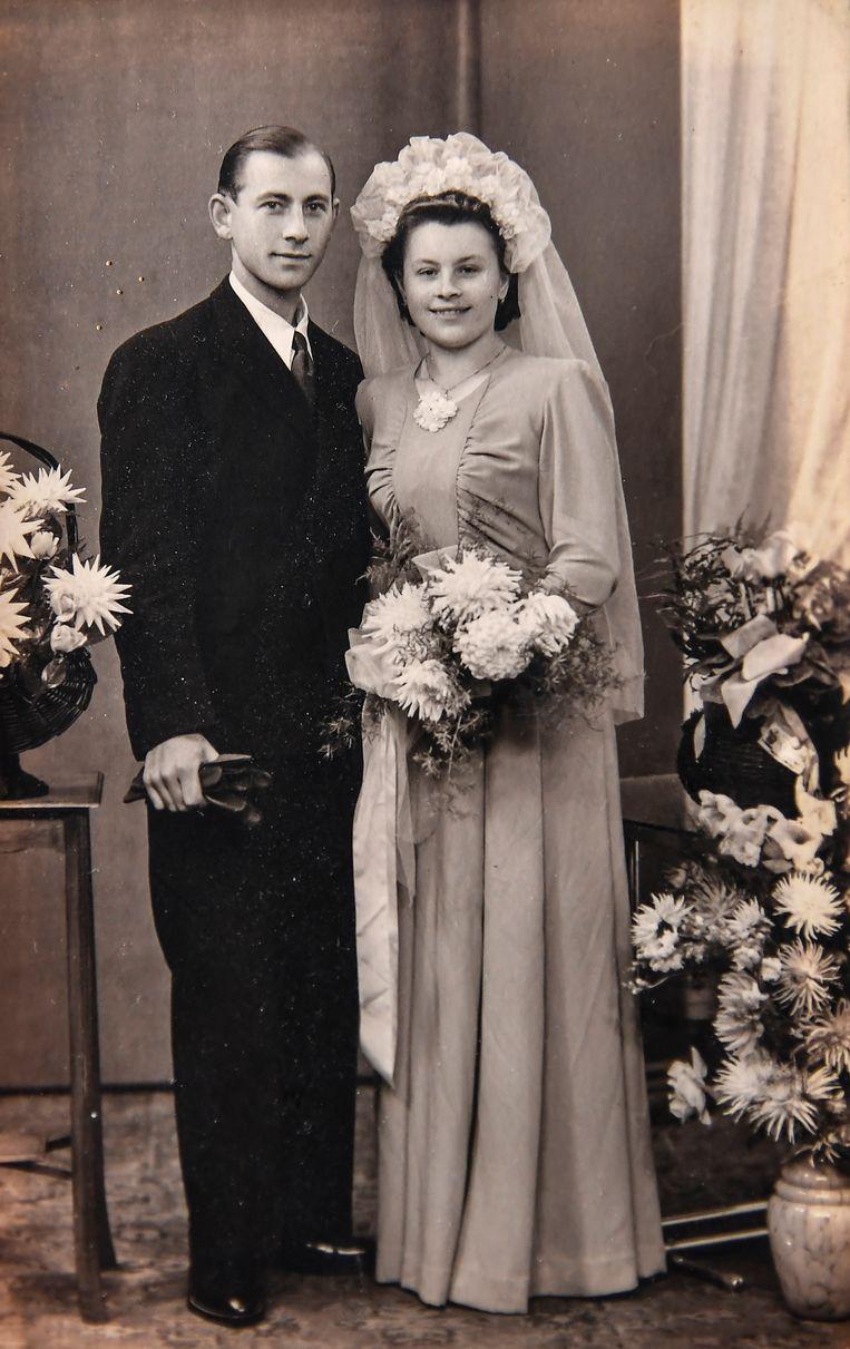 Pierre en Maria leerden elkaar kennen tijdens een kermis in Baasrode en huwden vijf jaar later, in 1943.