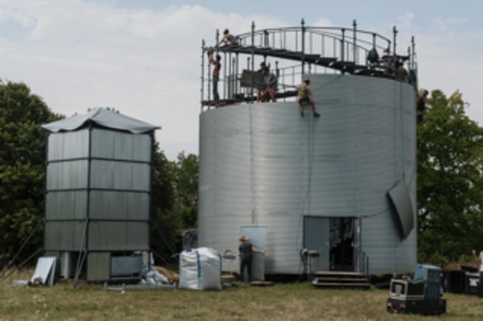 Circolo 2019. opbouw silo Les Choses de Rien (foto is niet in Tilburg genomen)
