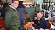 Signeersessie Peter Goes lokt heel wat fans naar Bookz&Booze