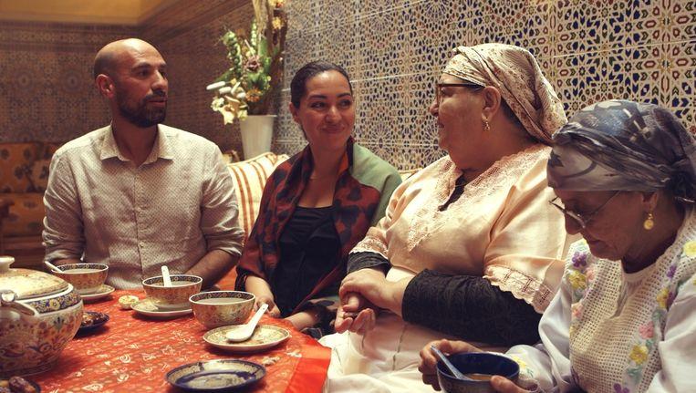 Schrijver Abdelkader Benali en zijn vrouw Saida maken een reis door Marokko. Beeld KRO-NCRV