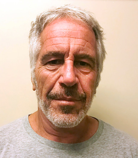 """Affaire Epstein: le parquet de Paris ouvre une enquête pour """"viols"""" et """"agressions sexuelles"""""""