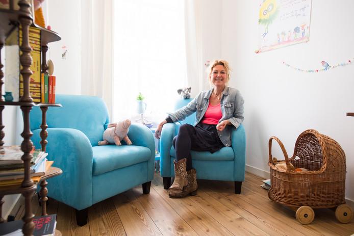 Nathalie Simons: ,,De Nederlandse wet behandelt kinderen of ze doofstom zijn.''