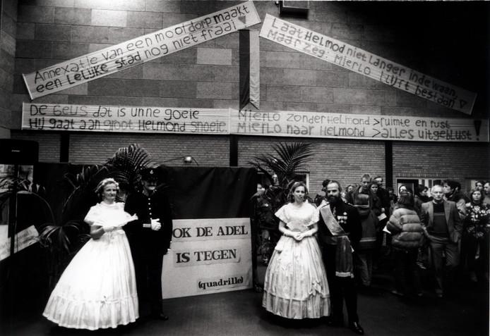 Persbijeenkomst in Mierlo tegen de annexatie door Helmond (1994).