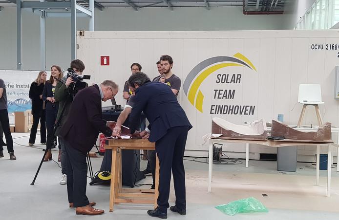 Op de Brainport Industries Campus(BIC) werd het startsein gegeven voor de productie van de vierde gezinsauto op zonne-energie van Solar Team Eindhoven.