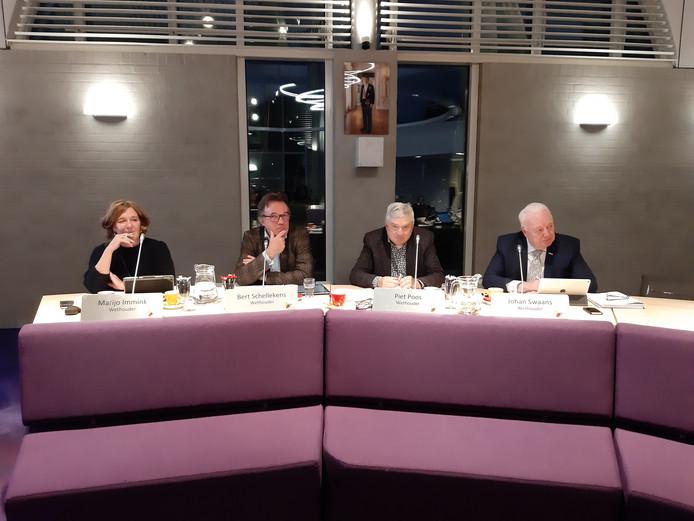 Het college van B en W, zonder burgemeester Mark van Stappershoef, met van links naar rechts: Marijo Immink, Bert Schellekens, Piet Poos en Johan Swaans.