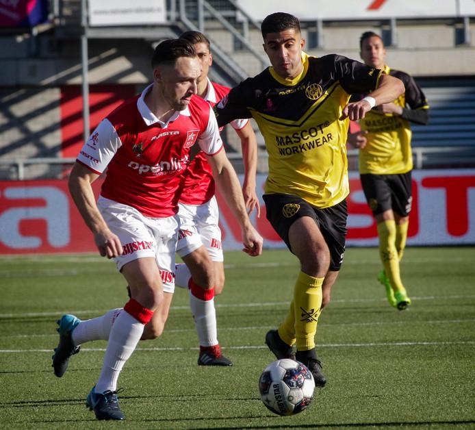 El Makrini (rechts) in het shirt van Roda JC, vertrekt na een paar trainingen bij FC Den Bosch.