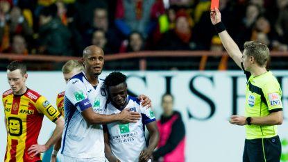 Anderlecht speelde meer dan helft met tien: Doku ontsnapte eerst na tackle vol op enkel, maar moest later toch gaan douchen