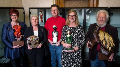 Beeldhouwers trappen nieuw seizoen heemmuseum op gang