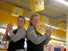 Deze Hengelose kassières werken al jaren bij dezelfde supermarkt, maar telkens voor een andere werkgever