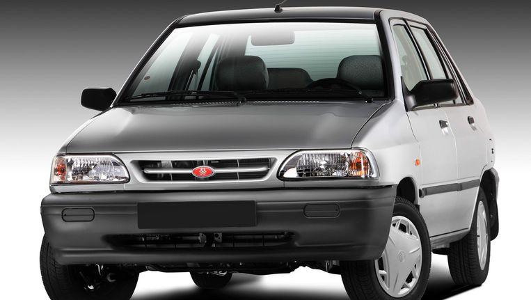Een in Iran geproduceerde personenauto van autofabrikant Sapia. Iran bouwt naast goedkope voertuigen ook luxe limousines. Beeld
