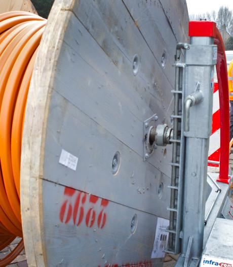 Twee glasvezelbedrijven ruziën om netwerk in Zeist: E-Fiber trekt zich terug