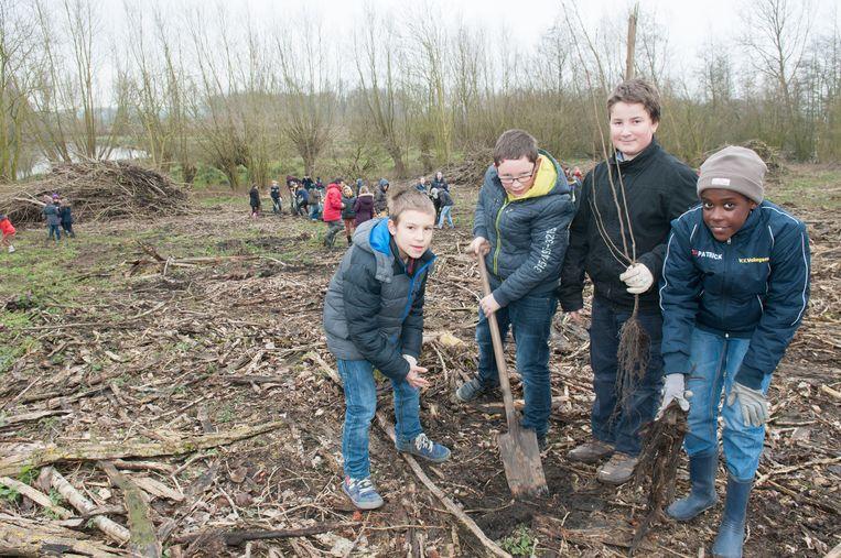 De leerlingen van de Abraham Hansschool in de Heurnemeersen.