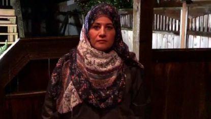 #NoHijabDay: vrouwen filmen hoe ze hoofddoek in brand steken