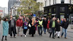 Mars voor slachtoffers rellen in Brussel lokt amper 30 man