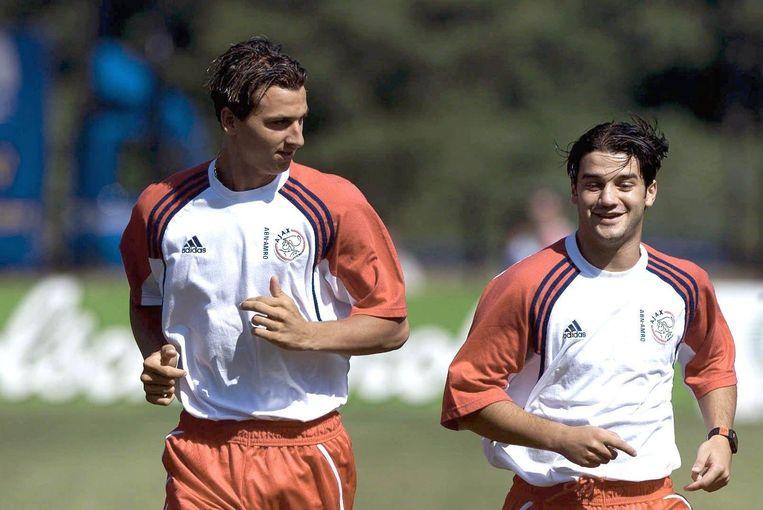 Zlatan Ibrahimopic en Cristian Chivu tijdens de eerste training van Ajax in 2001. Beeld ANP