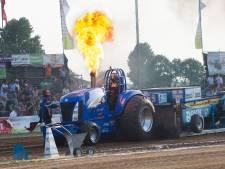 Harry Bolck van Tractorpulling Loerbeek krijgt lintje