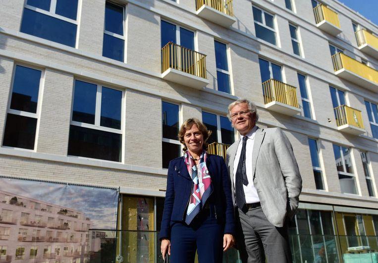 Dominique Leroy en Stefaan De Clerck bij de nieuwe Proximus-kantoren in de Sint-Janslaan.