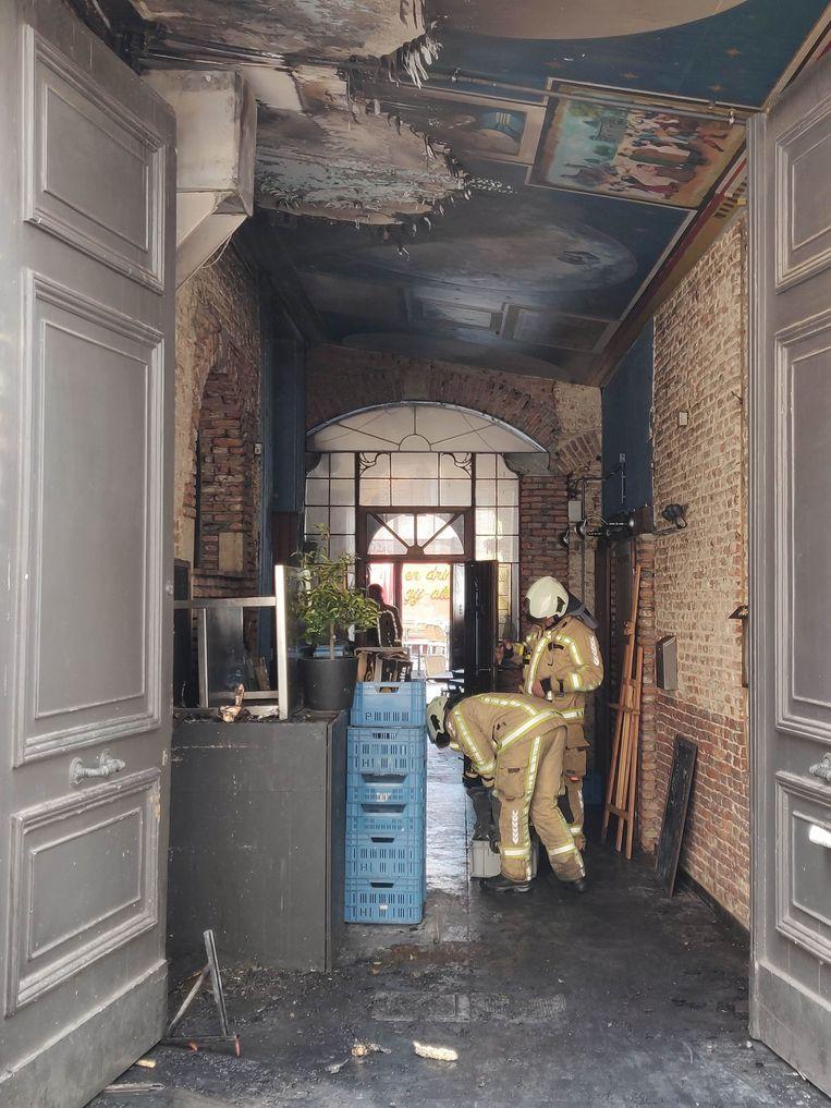 Restaurant 't Oud Clooster werd getroffen door een zware brand.