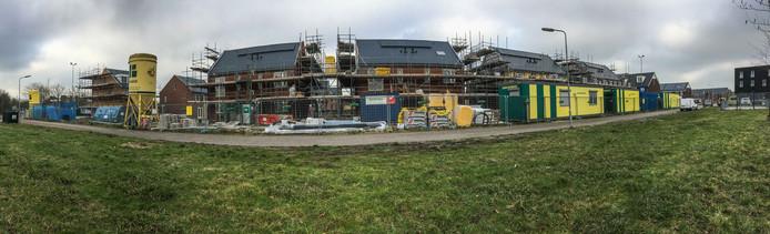 De groei van het aantal inwoners en huishoudens vraagt woningbouw, zoals hier in de wijk Mannee in Goes.