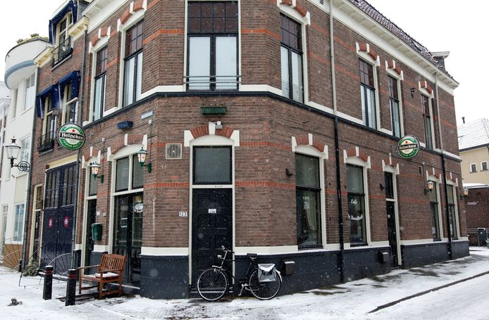 De Borrelhoek in Deventer is gesloten.