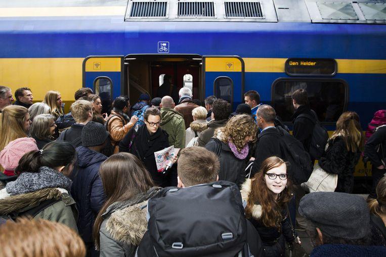 Reizigers op Utrecht CS. Beeld anp