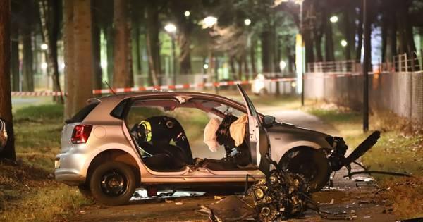 Vier personen gewond bij zwaar ongeluk in Apeldoorn.
