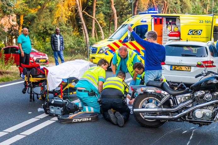 Op de Lieshoutseweg in Nuenen ging een motorrijder onderuit.