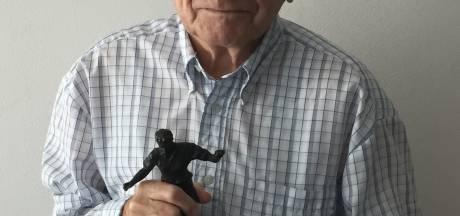Ook als dwangarbeider in de oorlog voetbalde Koos