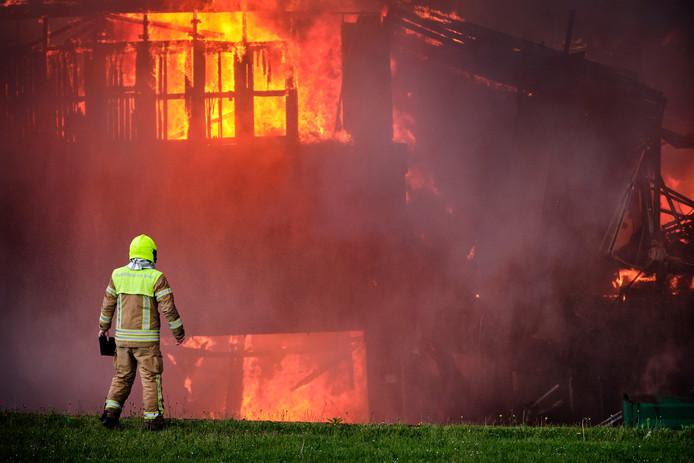De grote brand in de Koningin Wilhelminahaven in Vlaardingen.