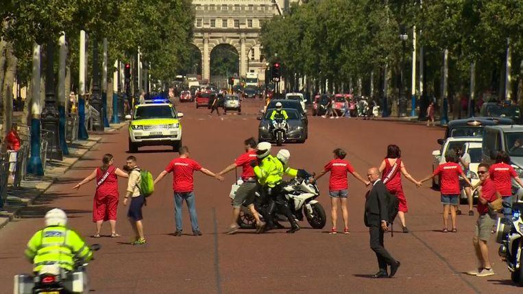 Demonstranten blokkeren Boris Johnson