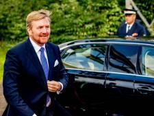 Koning praat met lokale overheid in Raalte