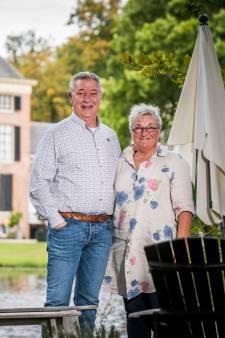 Lian (59) woont tegenover kasteel Rosendael: 'Hier voelt iedere dag als vakantie'