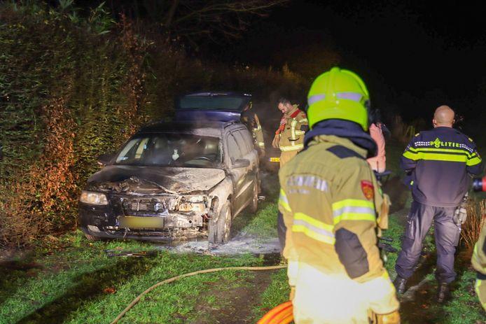 Auto vat vlam in Voorthuizen.